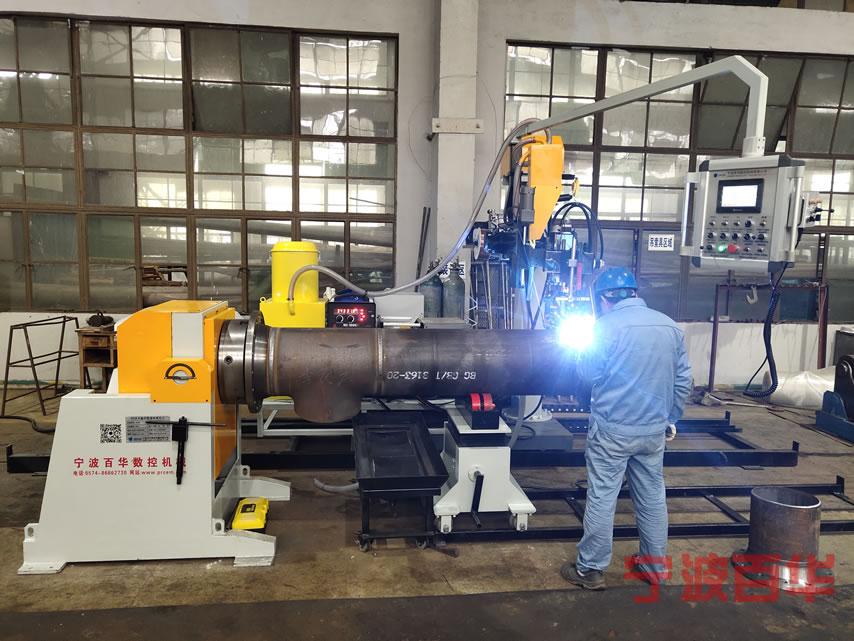 管道自动焊机卡盘法兰管对接焊应用现场